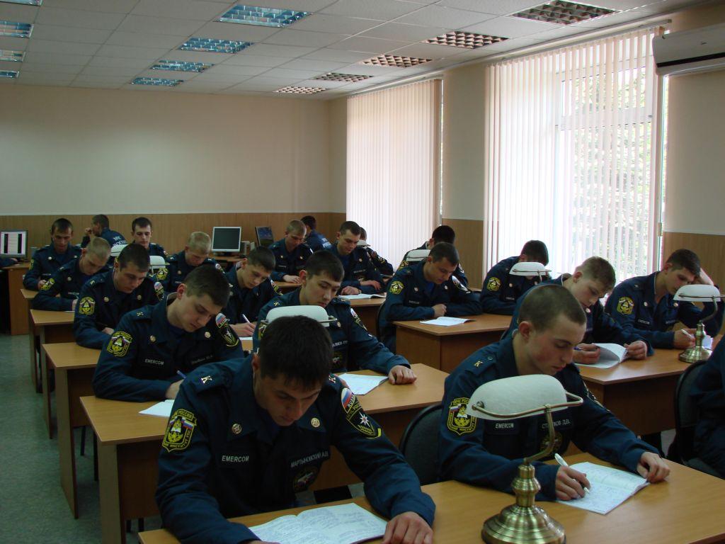 Самоподготовка у курсантов