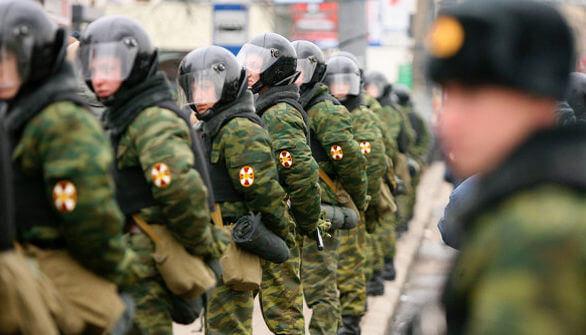 Строй солдат внетренних войск
