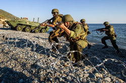 Военные по контракту на учениях